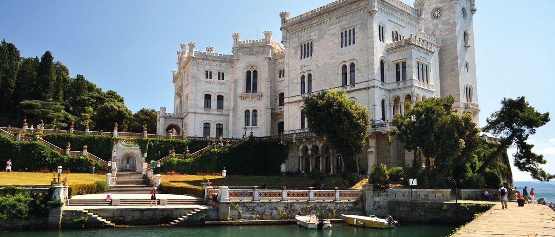 SchlossMiramare iStock 594018018 web